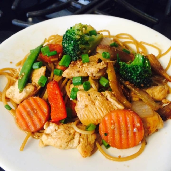 Healthy Sesame Chicken Lo Mein